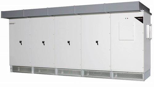 東芝三菱電機産業システム(TMEIC)は17日、直流電圧1500V対応のメガソーラー用パワーコンディショナー(PCS)を、日本国内向けに投入すると発表した。単機容量は国内メーカーで最大となる2500キロワット。4月に販売を開始する計画