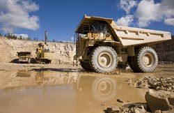 ウラン価格低迷は長期化。当面需給逼迫の可能性は低いが開発が鈍化すれば人材離れなどの副作用を招く恐れも(写真はカナダのウラン鉱山、2010年撮影)