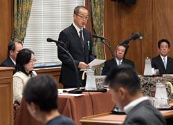 衆院議院運営委員会で所信を表明する更田氏