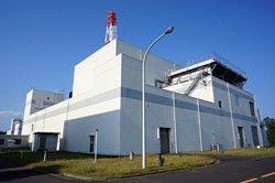 茨城県大洗町にあるHTTR。このプラントの再稼働が遅れると、熱利用の面でも中国に追い抜かれる日がやってくるかもしれない