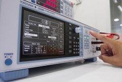 横河メータ&インスツルメンツが発売した交流交流電力校正器の新製品