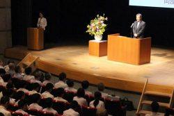 原子力に関する研究方針を紹介する岡部技術開発本部長