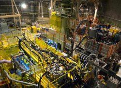 美浜1号機の原子炉格納容器内に設置された系統除染装置