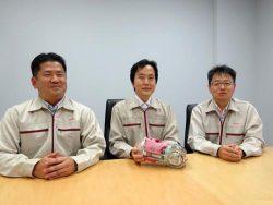 内部調査を担当した浅野、松崎、露木の各氏(右から)