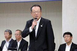 経営幹部を前に働き方改革などへの取り組みを求める森戸社長
