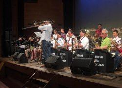 全員がステージに上がって行われた合同演奏