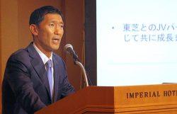 会見するベインキャピタル日本代表の杉本氏