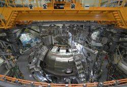 工事が進む核融合実験装置「JT-60SA」