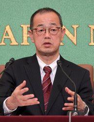 日本記者クラブで会見する更田委員長