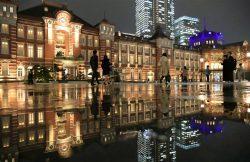 「逆さ駅舎」が撮影スポットになっている東京駅
