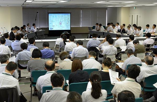2013年7月16日に開催された第1回目の審査会合。事業者は優先度の高いプラントの申請を専攻させていることもあり、申請済みのプラントは26基にとどまる。