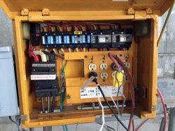 PLC用フィルターとアダプターを内蔵した分電盤