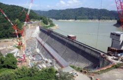 新桂沢ダムではかさ上げ工事を見学できる(北海等開発局提供)