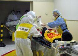 原子力発電所構内で発生したけが人の搬送を想定した訓練