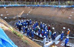 「m-a」断層を調べるため掘削されたトレンチ。昨年11月、規制委の現地調査が行われた