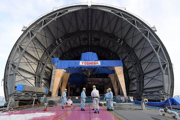 3号機原子炉建屋上部に設置されたドーム屋根
