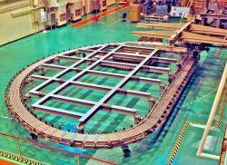 ITERのTFコイル(東芝エネルギーシステムズ提供)