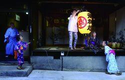 第64回「電気のある生活」写真賞・最優秀賞「点灯」