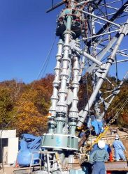 総重量166トン鋼管鉄塔で適用されたジャッキアップ工法