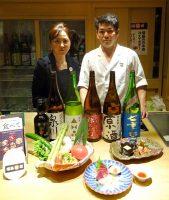福島産の日本酒と食材でおもてなしするピアシス新橋店の田中店長(左)と濱田調理長