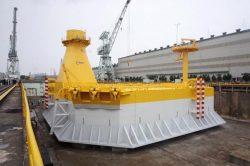 日立造船酒井工場で完成した洋上風力のバージ型浮体