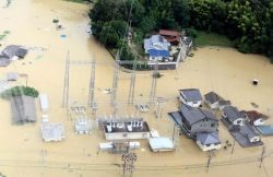 浸水した沼田西変電所(広島県三原市。7日昼ごろ、中国電力提供)