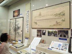 大井ダム建設時の写真など貴重な資料が展示されている