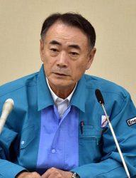 停電状況について説明する清水社長(12日、中国電力本店)