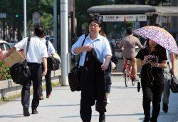 40度近い猛暑を記録した関電エリア(19日、大阪市内)