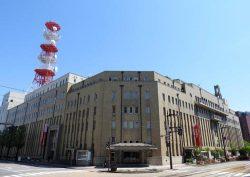 国の登録有形文化財に登録されることになった富山電気ビル(正面入り口から右が本館、左が新館)