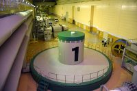 小丸川発電所の地下設備。揚水時の入力電力が調整可能なことから太陽光の余剰吸収に加え周波数調整にも貢献している