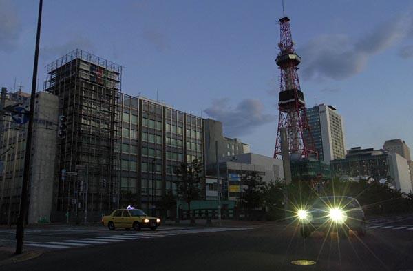 地震による影響で停電した札幌市内(6日未明)