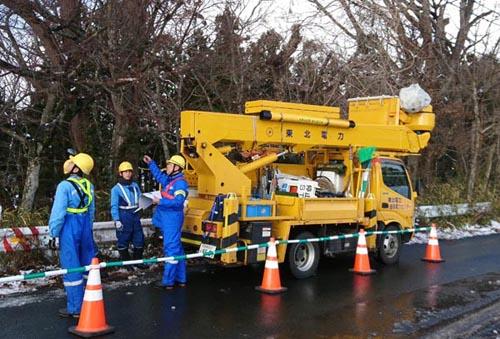 東北電力岩手支社はこのほど、2日間にわたって岩手県花巻市などで非常災害対策訓練を実施した=写真。冬季特有の自然災害が発生する時期を迎えたことを踏まえ、暴風雪によって大規模停電が発生した状況を想定
