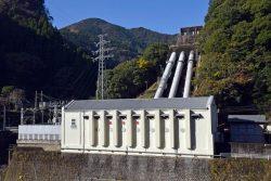9か所中6か所の水力で回収を計画する。写真は五ケ瀬川発電所
