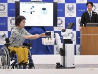 トヨタが開発した生活支援ロボットのデモンストレーション