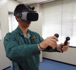 VRゴーグルなどを装着した研修風景